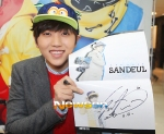 130120 B1A4 Sandeul at Hats On fansign 01