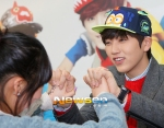 130120 B1A4 Sandeul at Hats On fansign 03