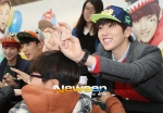 130120 B1A4 Sandeul at Hats On fansign 04