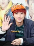 130120 B1A4 Jinyoung at Hats On fansign 03