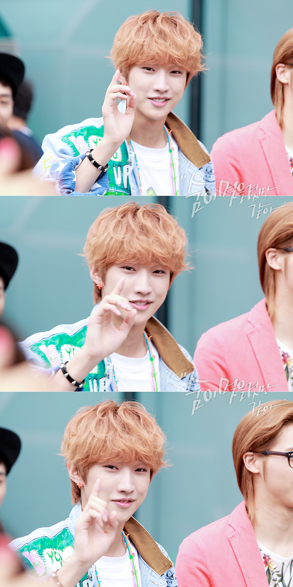 130509 B1A4 at M!Countdown Guerrilla Event - Jinyoung (20)