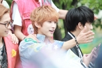 130509 B1A4 at M!Countdown Guerrilla Event - Jinyoung (7)