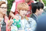 130509 B1A4 at M!Countdown Guerrilla Event - Jinyoung (9)