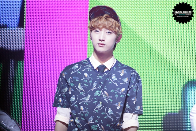 130517 Music Bank - B1A4 Jinyoung (1)