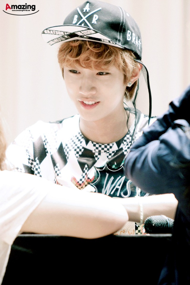 130525 B1A4 fansign event in Yongsan ~ Jinyoung (2)