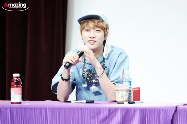 130526 B1A4  fansign event in Incheon ~ Jinyoung (3)