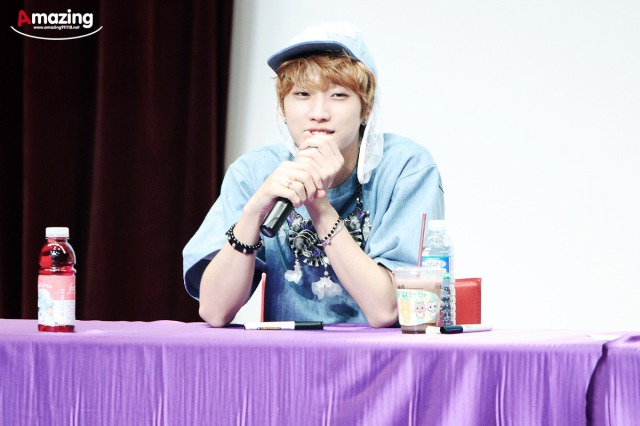 130526 B1A4  fansign event in Incheon ~ Jinyoung (4)