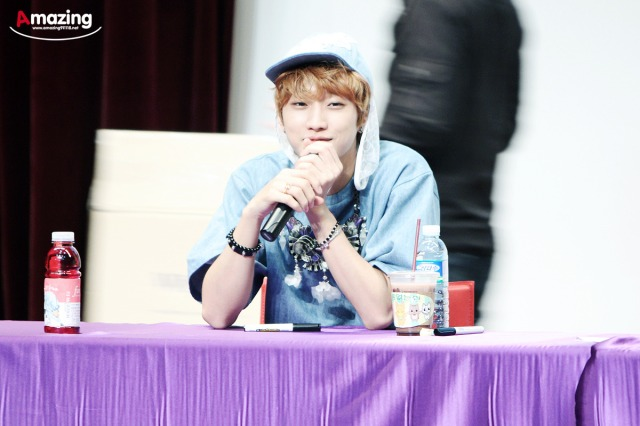 130526 B1A4  fansign event in Incheon ~ Jinyoung (5)