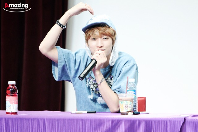 130526 B1A4  fansign event in Incheon ~ Jinyoung (6)