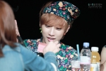 130518 B1A4 Jinyoung – 1st fansign in Mapo Art Center (107)