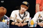130601 -  Fansign event in Bundang Hottracks Jinyoung (3)