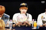 130601 -  Fansign event in Bundang Hottracks Jinyoung (5)