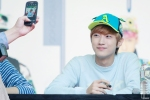 130604 Hats On Fansign - B1A4 Jinyoung (11)