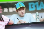130604 Hats On Fansign – B1A4 Jinyoung (61)