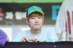 130604 Hats On Fansign – B1A4 Jinyoung (68)