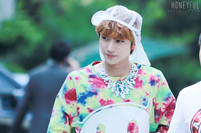 130607 B1A4 Jinyoung - Music Bank (7)