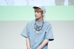 130526 B1A4 in Incheon Fansign ~ Jinyoung (15)