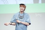 130526 B1A4 in Incheon Fansign ~ Jinyoung (17)