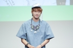 130526 B1A4 in Incheon Fansign ~ Jinyoung (18)