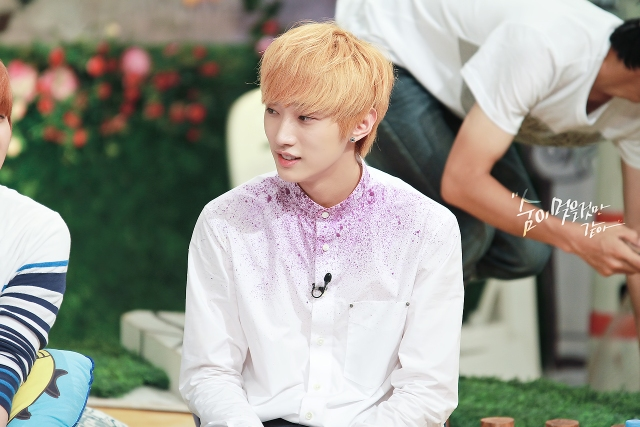130804  KBS Hello Counselor - B1A4 Jinyoung (15)
