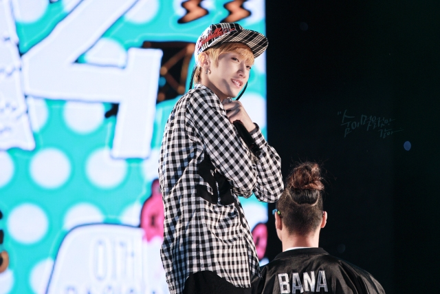 [19911118net-Index] 131003 B1A4 Jinyoung - Chinese student Kpop festivall (2)