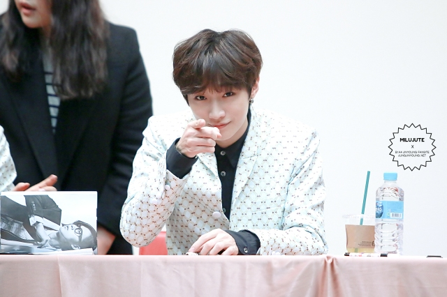 140209_Incheonfansign_4